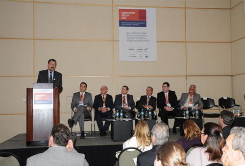Presidente da ACIGABC apresenta a Região do Grande ABCD na Semana Imobiliária da Convenção do Secovi-SP, realizada na capital